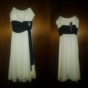 Black & White dress NWT Size L